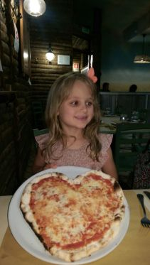 Valentina in pizzeria